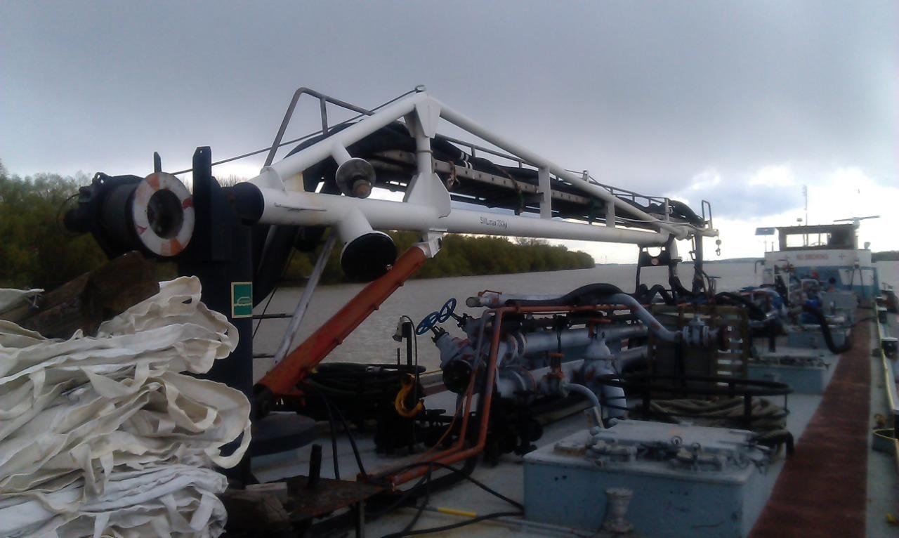 Tanker for demolition