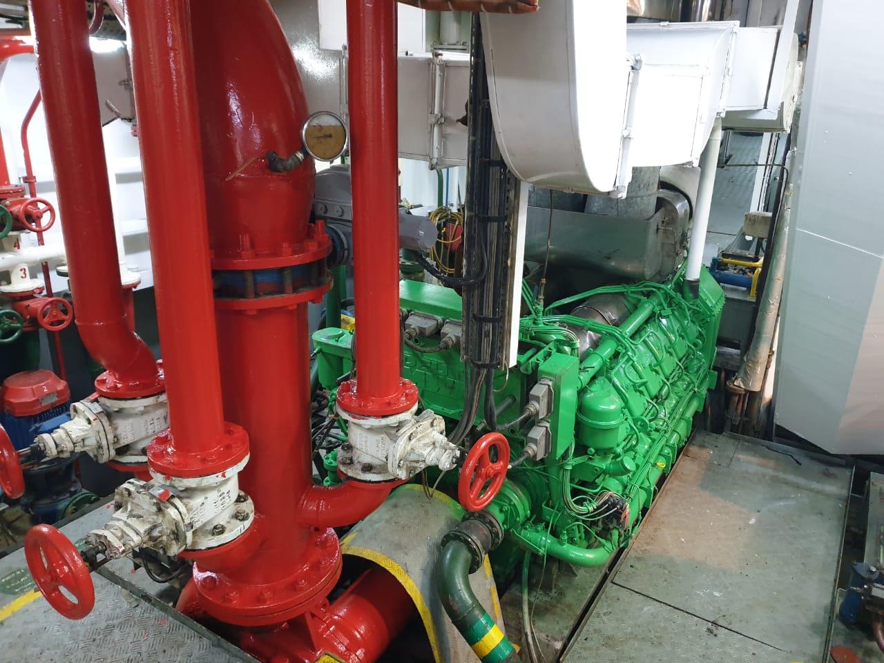 TUG B.H.P. 3500, BUILT 2004 BP 45 T