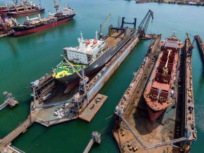 repairs ships